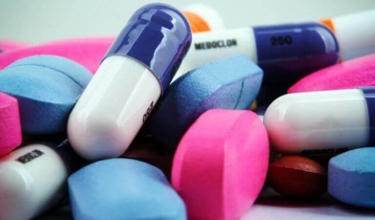 Kasa lääkkeitä.