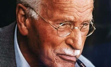 Carl Jung antoi viisi onnellisuuden avainta.