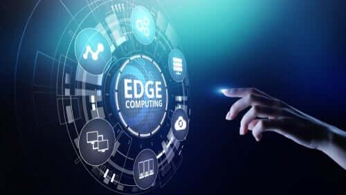 Edge computing -teknologia voidaan määritellä sijainniksi, josta käsin teknologiapalveluita tarjotaan