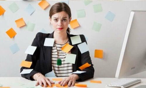 Työmotivaation laskeminen ja työstä irrottautuminen ovat selkeitä merkkejä siitä, että on aika vaihtaa työpaikkaa