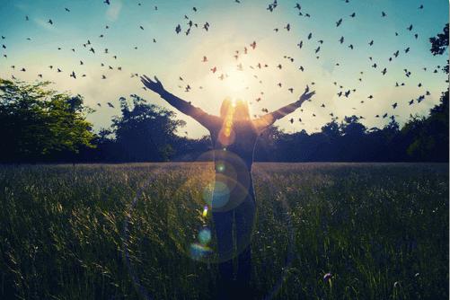 Anthony de Mellon lausahdukset onnellisuudesta muistuttavat, miten onni lähtee aina omasta sisäisestä maailmastamme