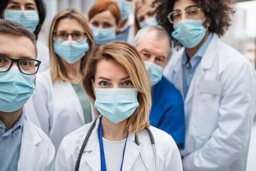 Kiitos terveydenhuollon ammattilaisille.