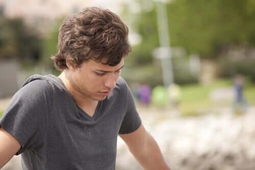 Riskikäyttäytyminen on tavallista nuorten keskuudessa.