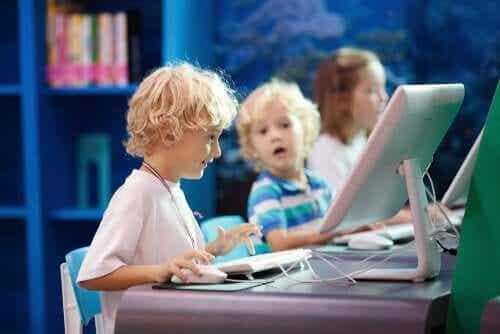 7 tieto- ja viestintätekniikan koulutussuuntausta vuonna 2020