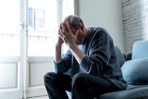 Koronaviruksen psykologiset seuraukset voivat olla esimerkiksi masennuksesta kärsivälle ihmiselle kohtalokkaita