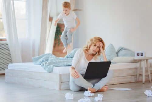 Voiko etätöitä tehdä kotona, jos on lapsia?