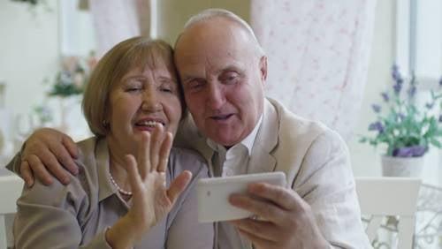 Isovanhemmat: kyllä me taas halaamme