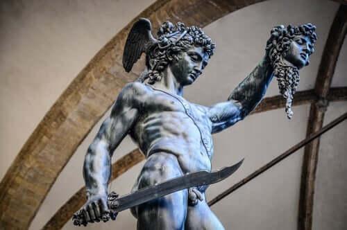 Medusan ja Perseuksen myytti.