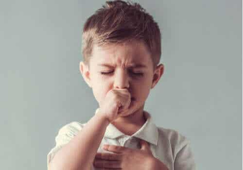 Tic-liikkeet lapsuudessa: ominaisuudet ja hoito
