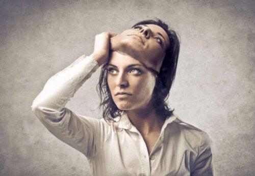Harvardin psykologin ja The Sociopath Next Door -kirjan kirjoittajan Martha Stoutin mukaan jopa yksi 25:stä ihmisestä on sosiopaatti