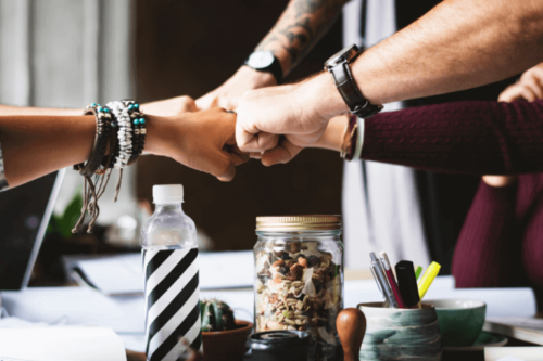 Yksi tehokkaimmista tavoista selviytyä työpaikan opportunistien kanssa on varmistaa, että heidän tekemisensä eivät vaikuta omaan työpanokseen