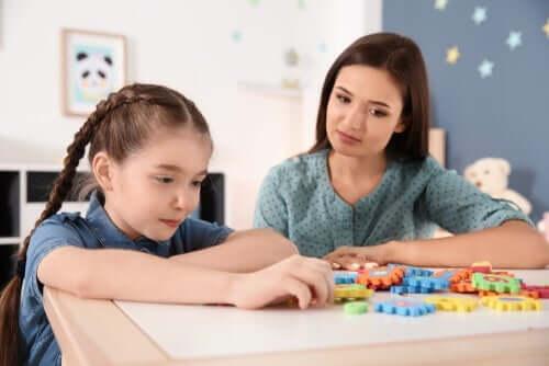 Autistilasten auttaminen koronaviruskriisin aikana on erityisen tärkeää