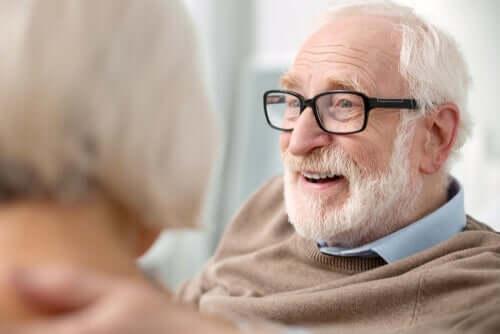 Vanhenemisen ja vanhaksi tulemisen ero: mieliala.