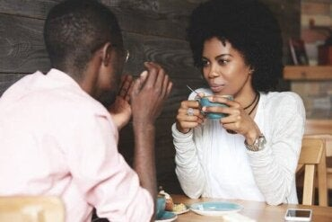 Kehitä tietoisen kuuntelemisen taitoasi