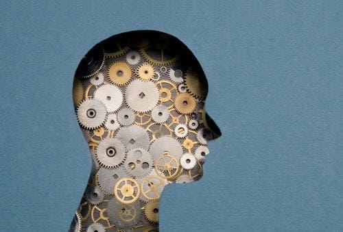 Multifokaalinen älykkyys raksuttaa mielessä.