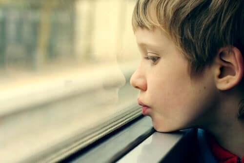 Autististen lasten vanhemmille räätälöidyt työpajat