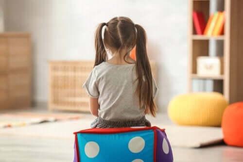 Autististen lasten vanhemmille räätälöidyt työpajat auttavat sekä vanhempia että lapsia.