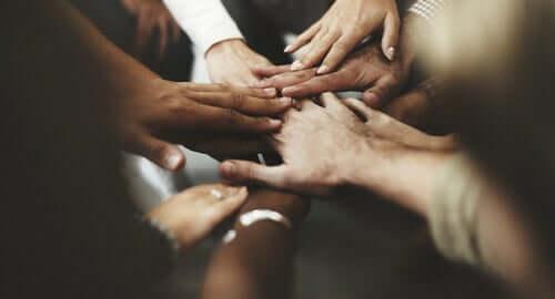 Harmonisen rinnakkaiselon saavuttamiseksi meidän kaikkien on oltava samanaikaisesti tasa-arvoisia.