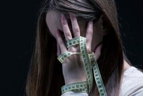 Maudsleyn menetelmä on perhepohjainen terapia alle 18-vuotiaille anoreksiaa sairastaville nuorille