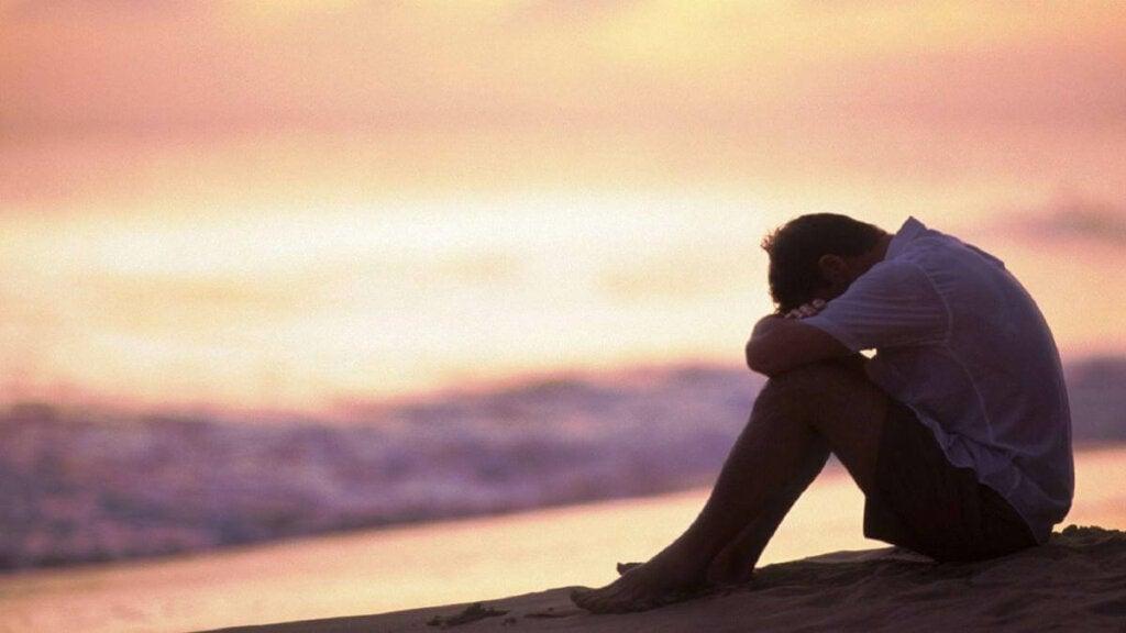 Yksi lapsuudessa koetun henkisen kaltoinkohtelun seurauksista on posttraumaattisen stressihäiriön kehittyminen aikuisiässä