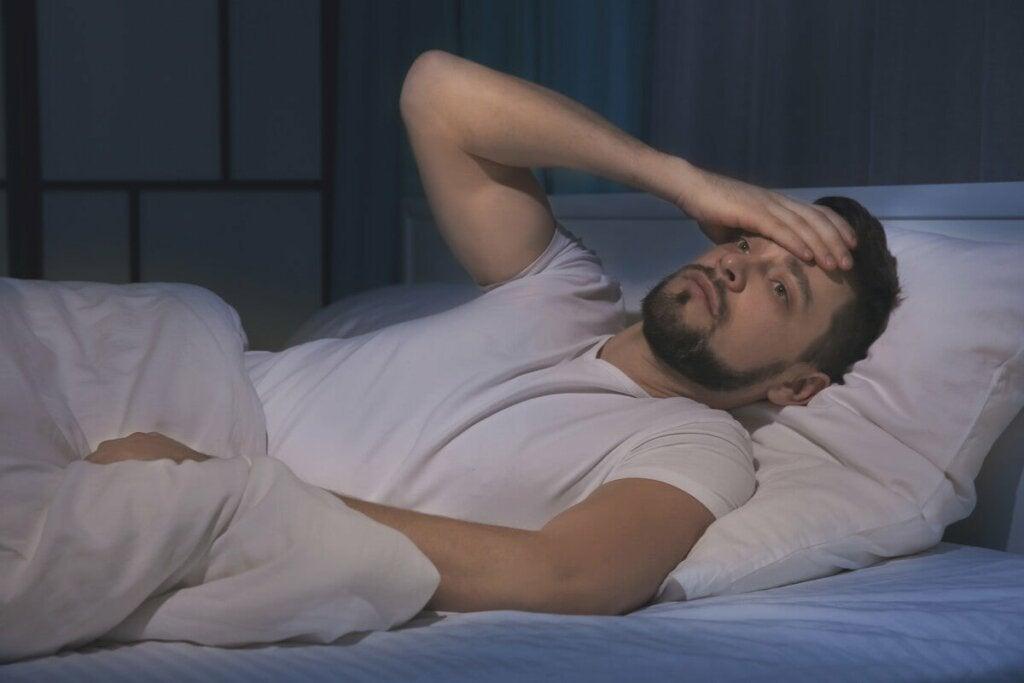 Tutkimusten mukaan huonosti nukkuminen voi vaikuttaa negatiivisella tavalla yksilön sosialisointiin muiden ihmisten kanssa