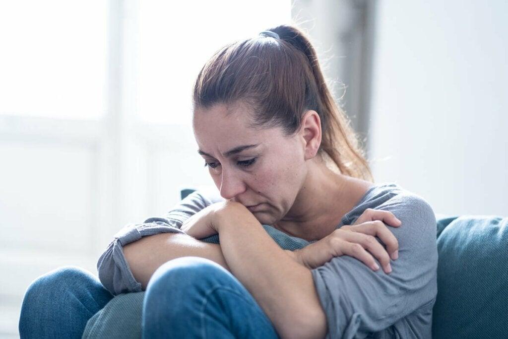 Aivohalvaus voi aiheuttaa potilaassa lukuisia emotionaalisia ja käytökseen liittyviä jälkiseurauksia