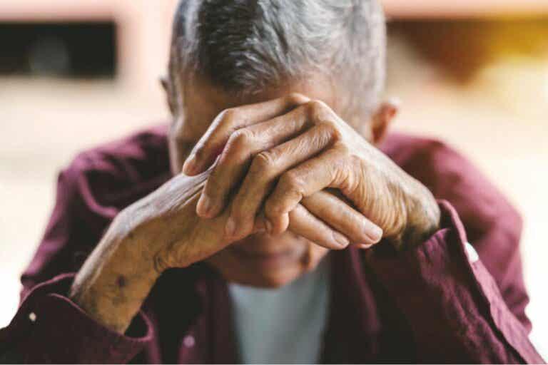 Millaisia muutoksia aivohalvauksella on potilaan psyykkiseen tilaan ja käytökseen?