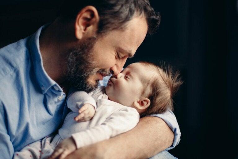 Isäksi tuleminen tuottaa muutoksia hormoneissa