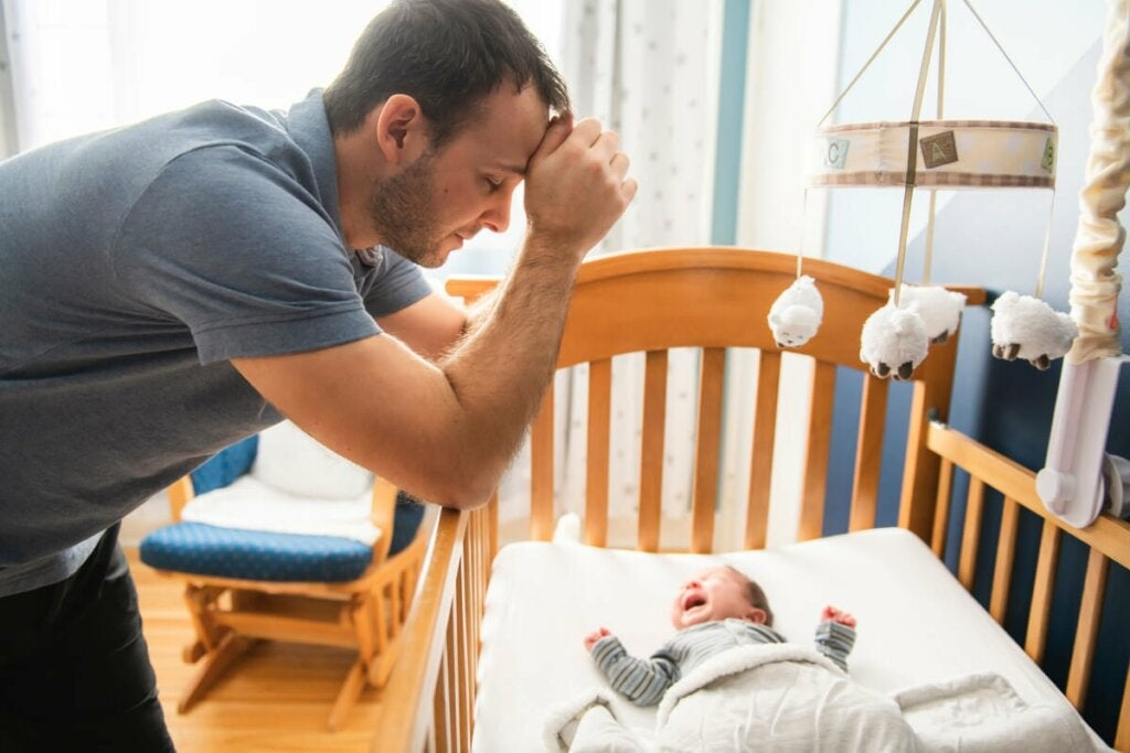 Myös isät voivat kärsiä tutkimusten mukaan oireista, jotka vastaavat äidin synnytyksen jälkeistä masennusta