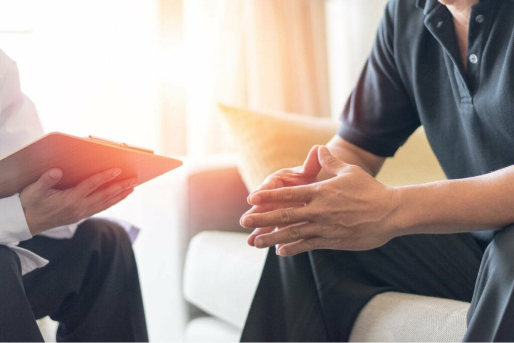 Palliatiivinen hoito keskittyy potilaan kognitiivisiin ja emotionaalisiin osa-alueisiin järkyttävien uutisten käsittelyssä