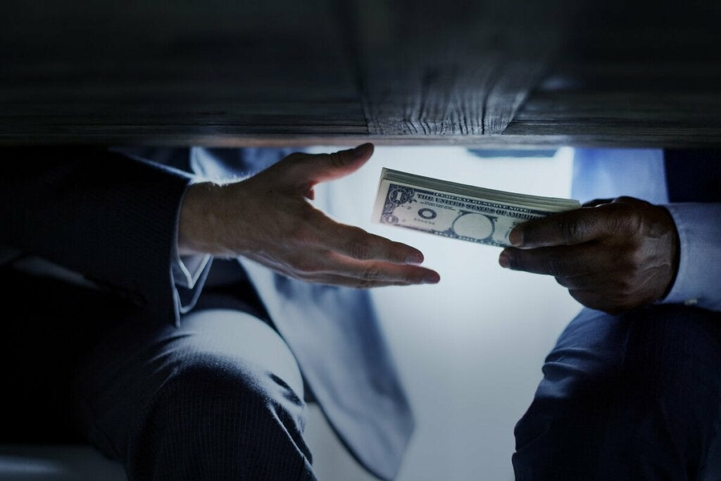 Korruptoituneen ihmisen mieli näkee toisen ihmisen vain keinona tai esteenä