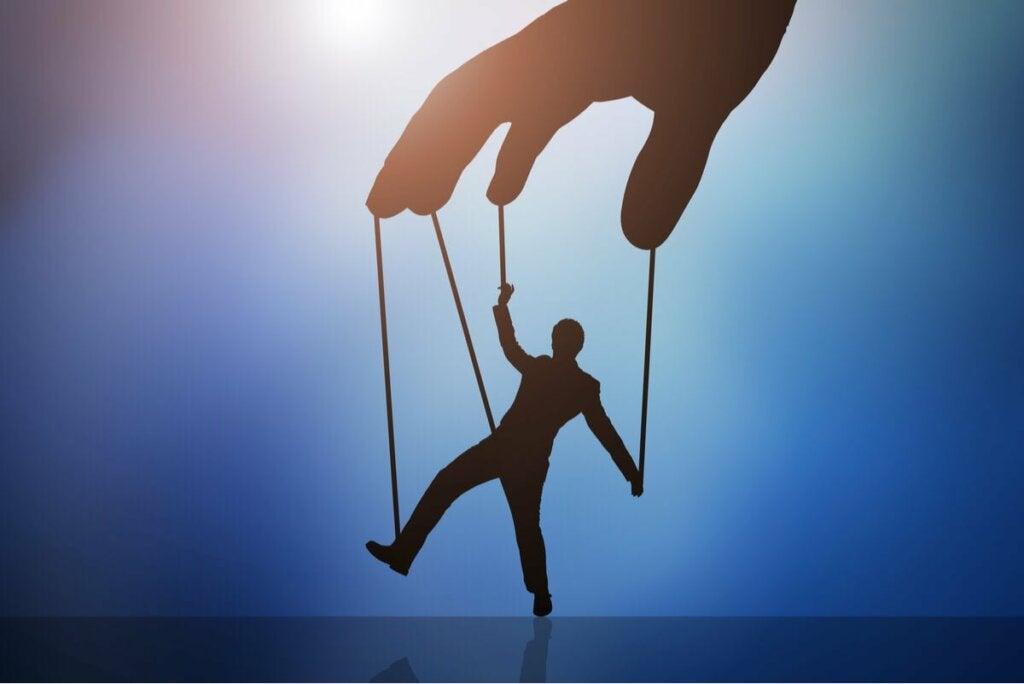 Korruptoituneen ihmisen mieli hamuaa valtaa ja rahaa, koska tämä luo illuusion maailman hallinnasta