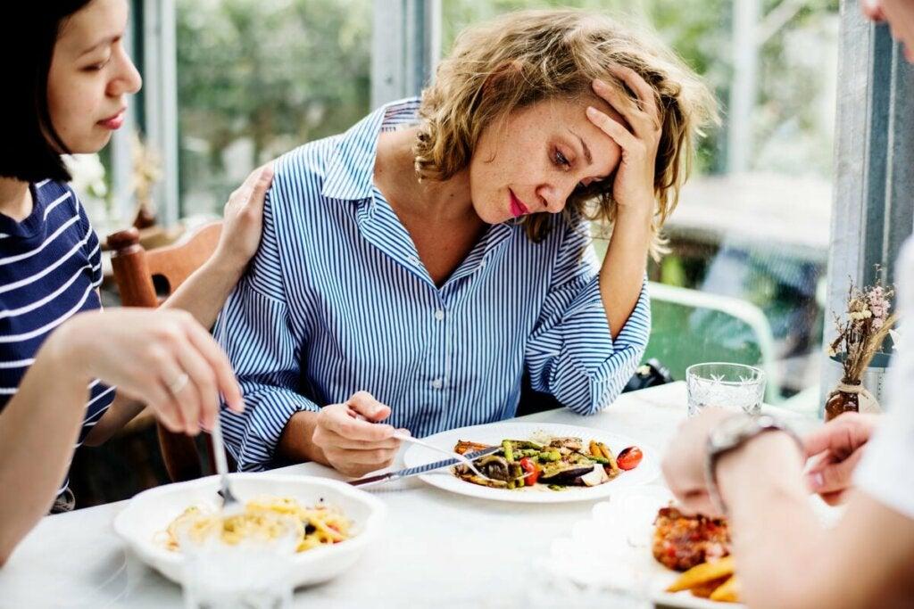 Ruokahaluttomuus tarkoittaa nimensä mukaisesti oiretta, jossa halu syödä laskee tai katoaa kokonaan