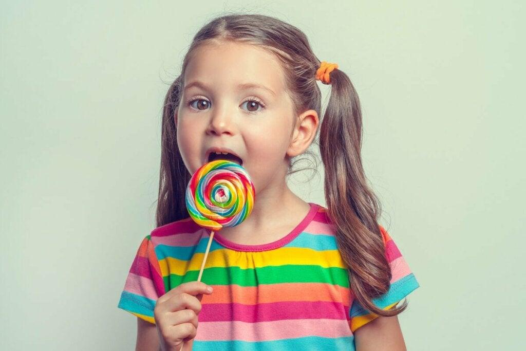 Positiivisen vahvistamisen soveltaminen tarjoaa erittäin myönteisiä tuloksia lasten kasvatuksessa