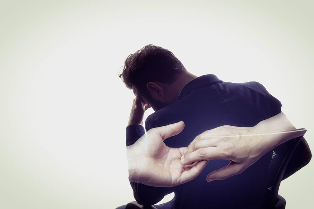 Traumaattisen lapsuuden käsitteleminen aikuisiällä on tärkeää.