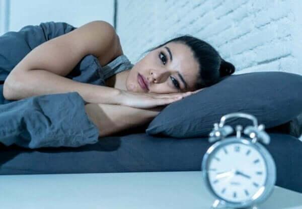 Katkeileva uni on vaarallisempaa kuin riittämätön uni