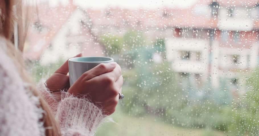 Sateen ääni rauhoittaa mielen.