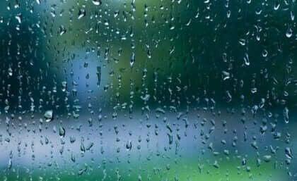 Sateen ääni rauhoittaa aivomme