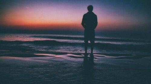 Krooninen yksinäisyys on yhä yleisempää, mutta se on voitettavissa