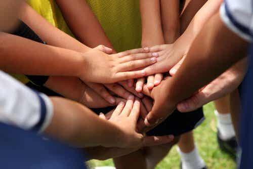 Joukkueurheilu ja henkilökohtainen kehitys liittyvät toisiinsa