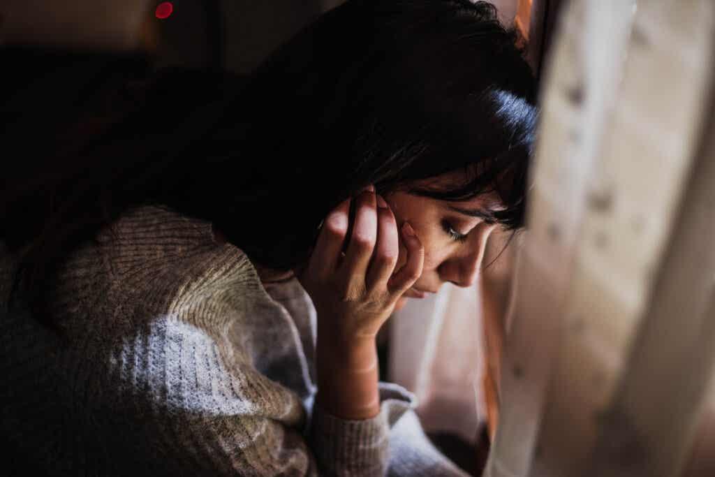 Ihmiset, jotka omaksuvat toisten ongelmat ominaan, kantavat usein mukanaan liian suurta henkistä taakkaa
