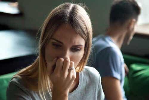 Tunteiden ristiriita voi saada vihaamaan ja rakastamaan ihmistä samanaikaisesti