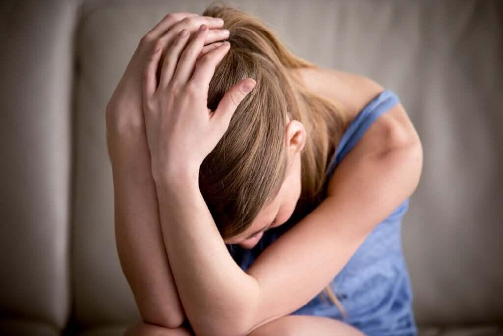 Mistä ahdistuneisuus kumppanin löytämiseksi johtuu?