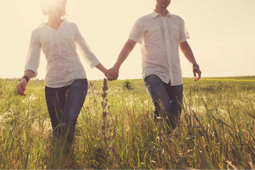 Sen, mitä parisuhteen molemmat osapuolet odottavat ja se, mitä he haluavat saavuttaa, tulisi olla suurilta osin yhtenäistä